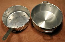 Bayou Classic 10 Quart Aluminum Fry Pot and Basket, NEW in B