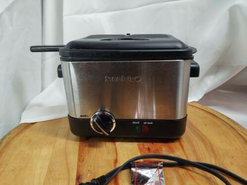 Brushed Stainless 1.1 Liter Cuisinart CDF-100 Compact 1.1-Liter Deep Fryer