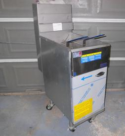 NEW Pitco 40D 40 LB Capacity Gas Deep Fryer with locking whe